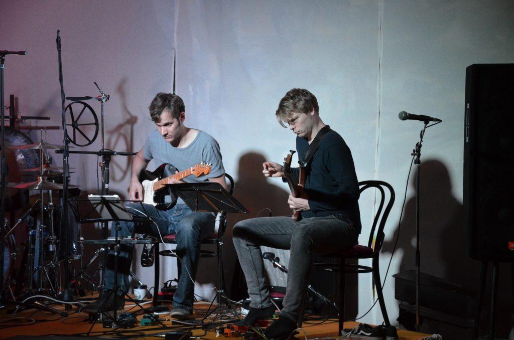 Duo_Leise_Dröhnung_Niklas Seidel - E-Bass und Steffen Ahrens - E-Gitarre